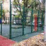 Ограждение спортивной площадки из сетки рабицы