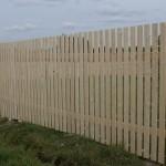 забор из деревянного штакетника 90х20, шаг 2,5см