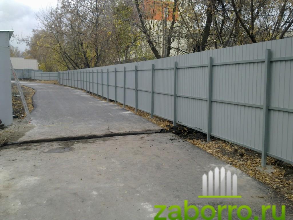 дешевый забор из профнастила С-8 фото