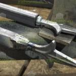 4. Начинается приварка пик к вертикальным трубам забора. Качественная зачистка швов.