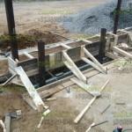7. Подготовили яму и закладную для откатных ворот.