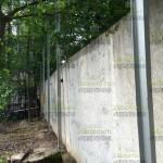 натянули нитку, начали бетонировать столбы