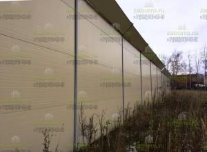 Шумоотражающий забор 4м, с козырьком, из сэндвич панелей 100мм